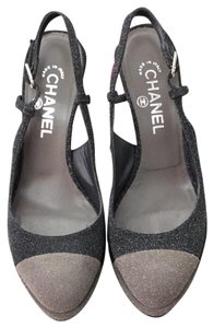 Chanel black and gray glitter Pumps