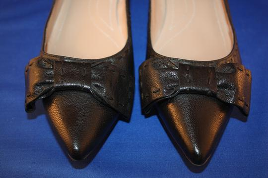 Tahari Bow Stitched Pointed Toe Kitten Leather black Pumps