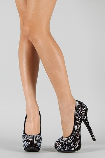 Society of Chic Beige Pumps