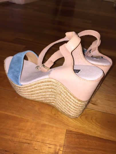 Frau Tan with Turquoise Band Wedges