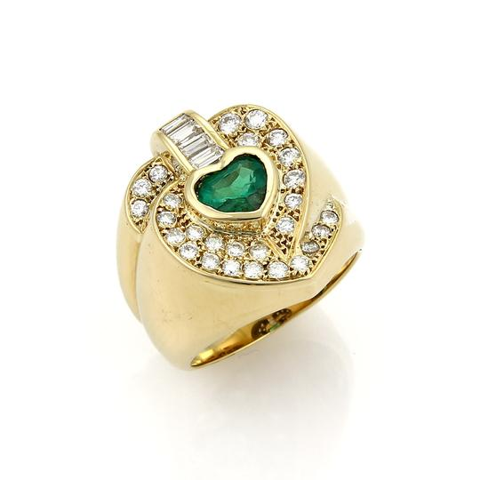 Preload https://img-static.tradesy.com/item/22411732/20603-fancy-heart-180ct-diamond-and-emerald-18k-gold-ring-0-1-540-540.jpg