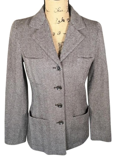 Preload https://img-static.tradesy.com/item/22411793/jcrew-herringbone-brown-cream-lambs-wool-blazer-size-2-xs-0-2-650-650.jpg