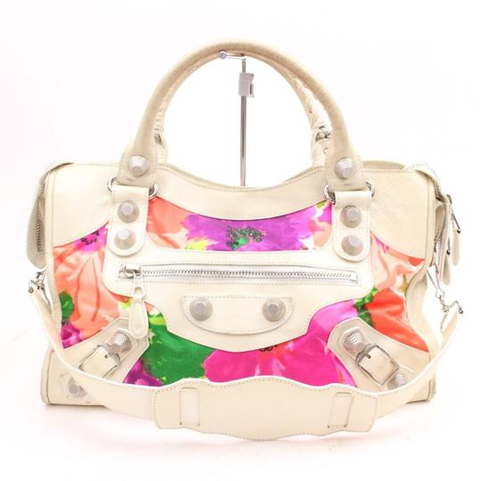 Preload https://img-static.tradesy.com/item/22411868/balenciaga-limited-edition-floral-giant-city-2way-123018-multicolor-leather-shoulder-bag-0-0-540-540.jpg