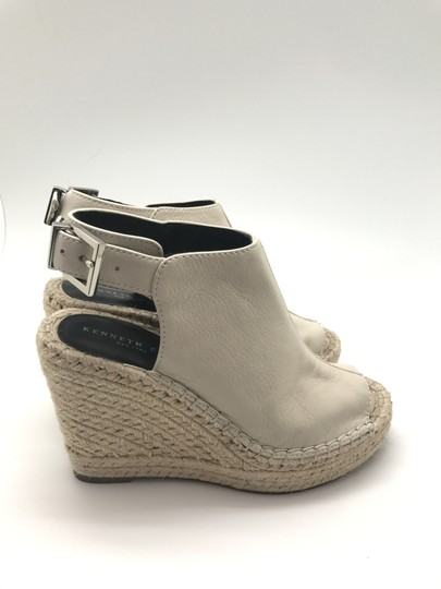 Kenneth Cole Leather Designer Cream Wedges