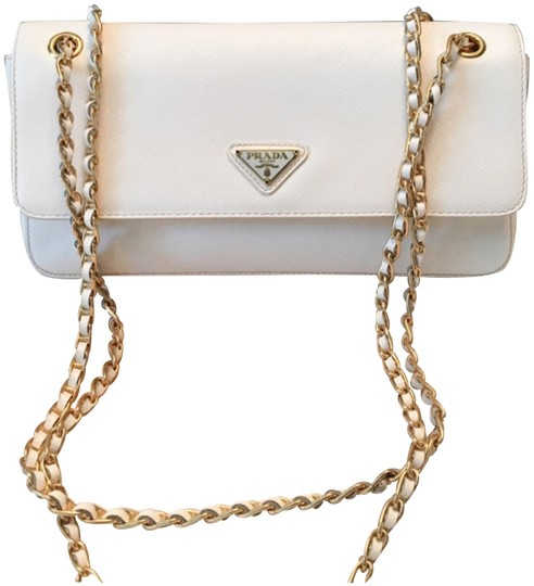 Preload https://img-static.tradesy.com/item/22412064/prada-chain-flap-off-white-saffiano-leather-shoulder-bag-0-2-540-540.jpg