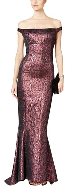 Item - Claret Off-the-shoulder Metallic Jacquard Gown Long Formal Dress Size 10 (M)