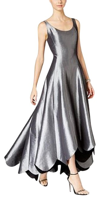 Item - Platinum/Black Metallic Scalloped A-line Gown Platinum/Black Long Formal Dress Size 16 (XL, Plus 0x)
