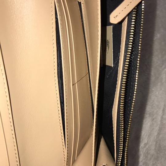Burberry Wristlet in pale apricot