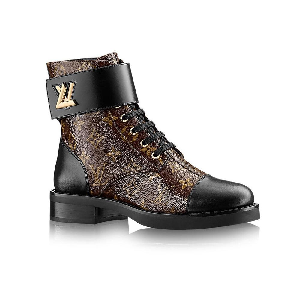 90607e23cf22 Louis Vuitton Black Wonderland Flat Ranger Boots Booties. Size  US 8 ...