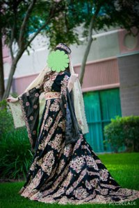 Unconventional Exotic Colored Wedding Gown With Matching Accessories Wedding Dress