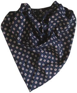 Madewell Triangle Medallion Scarf
