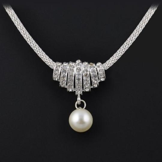 Silver Necklace & Earrings Pearl & Crystal Silver Necklace & Earrings Pearl & Crystal