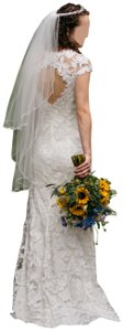 Tadashi Shoji Ivory Lace Exterior with Polyester Slip Elinor Gown Style #38420915 Vintage Wedding Dress Size 2 (XS)