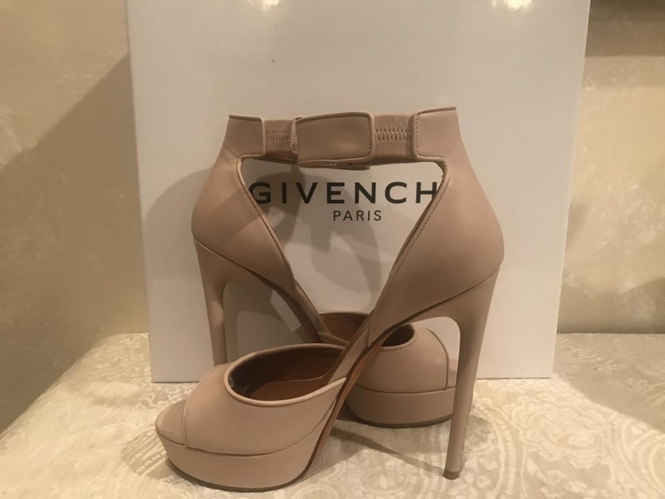 e4f7f2c9a52a Givenchy Soft Leather Open Toe Shark Lock Closure Rose Poudre Platforms  Image 7. 12345678