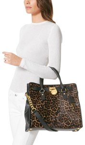 Michael Kors Hamilton Large Cheetah-print Tote in Black / Natural