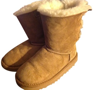 26a4c5fb4fa UGG Australia Chestnut Toddler Bailey Button Uggs Boots/Booties Size US 10  Extra Wide (Ww, Ee) 55% off retail