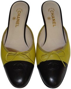 Chanel Vintage Leather Light Green and Black Mules