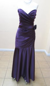 Impression Bridal Aubergine Satin 20076 Formal Bridesmaid/Mob Dress Size 14 (L)