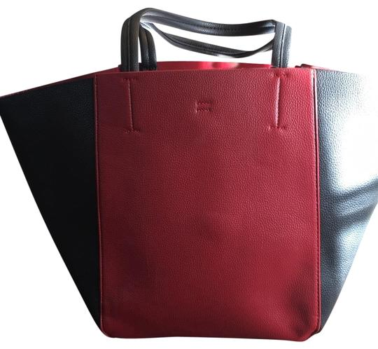 Preload https://img-static.tradesy.com/item/22424110/lord-and-taylor-red-and-black-leather-tote-0-3-540-540.jpg