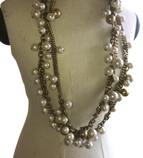 Preload https://img-static.tradesy.com/item/22424862/stella-and-dot-pearl-white-and-yellow-adjustable-with-gold-chain-necklace-0-3-540-540.jpg