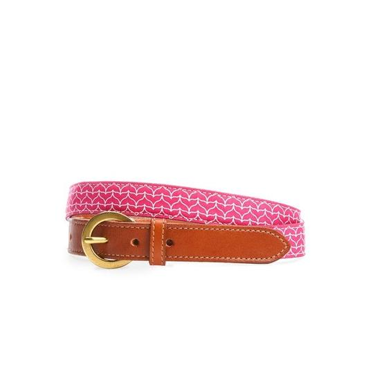 Preload https://img-static.tradesy.com/item/22424951/vineyard-vines-rhododendron-hot-pink-2a2597-658-belt-0-0-540-540.jpg