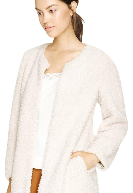 Preload https://img-static.tradesy.com/item/22425077/aritzia-cream-laboratoire-coat-size-8-m-0-3-650-650.jpg