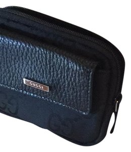 94837a70726 Black Gucci Wristlets - Up to 90% off at Tradesy