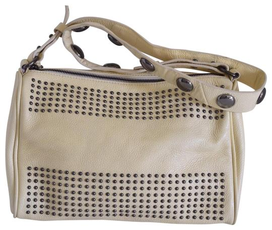 Preload https://img-static.tradesy.com/item/22425739/kelsi-dagger-studded-cream-leather-cross-body-bag-0-1-540-540.jpg