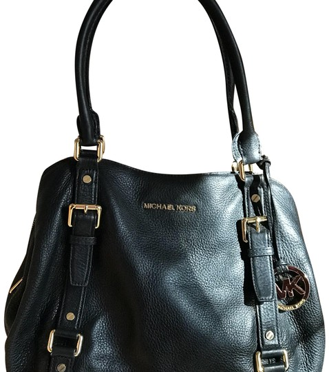 Preload https://img-static.tradesy.com/item/22426636/michael-kors-black-leather-tote-0-2-540-540.jpg