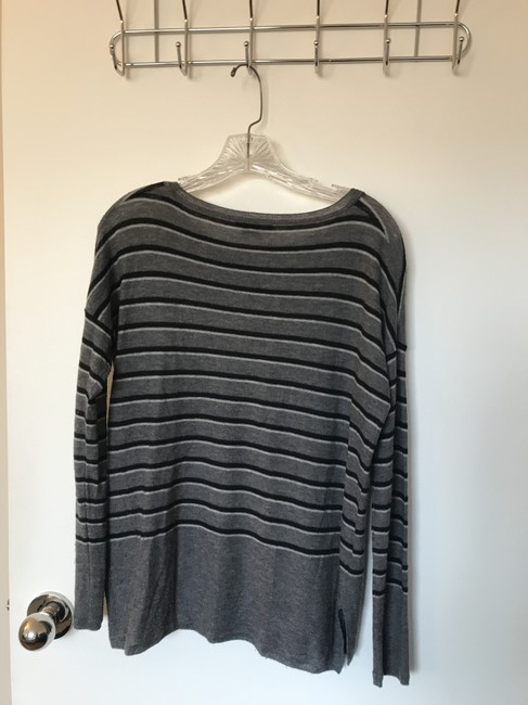 Vince Lightweight Breathable Soft Staple Sweater