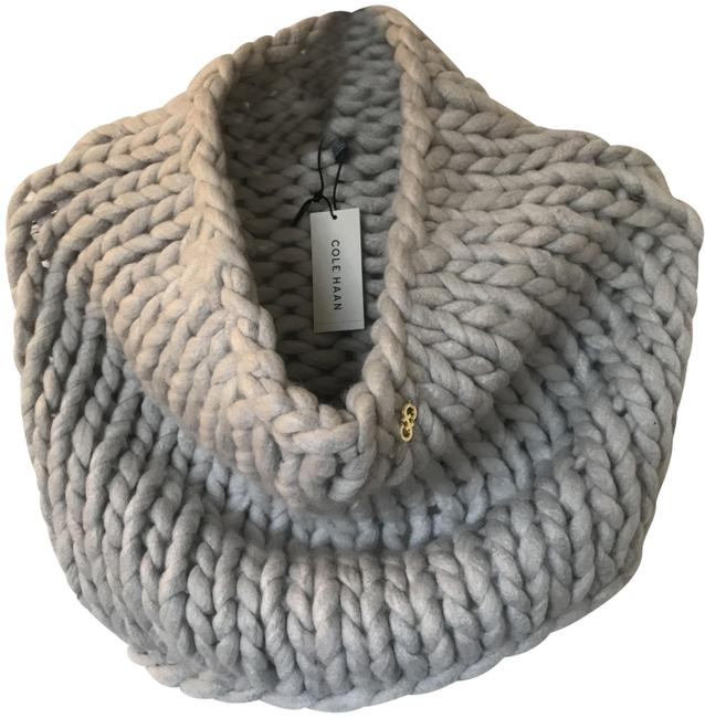 Item - Dove Grey Chunky Knit Snood Neckwarmer Scarf/Wrap