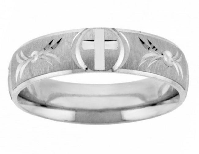 Item - Silver Handcrafted Christian Cross Band Ring