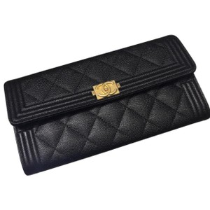 75d675306e83 Chanel Flap Wallets - Up to 70% off at Tradesy
