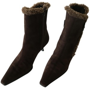 Stuart Weitzman Shearling Suede Oval Button Lined Faux Fur Sherpa Trimmed CHOCOLATE Boots