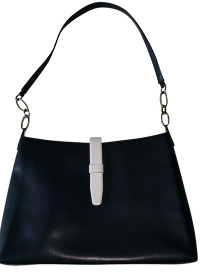 Preload https://img-static.tradesy.com/item/2243589/preston-and-york-navy-and-white-leather-shoulder-bag-0-0-540-540.jpg