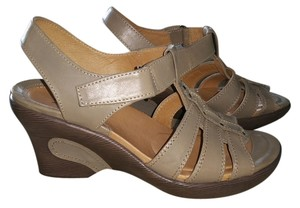 Sanita tan putty Wedges