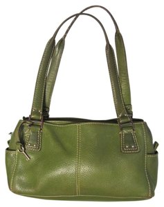 Fossil Great Pockets Quick Access Full Along Ea Side Zip Midd +3 More In Length Satchel in Green