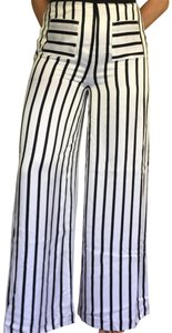 Kendall + Kylie Flare Pants white and black