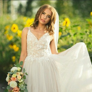 Cream Casual Wedding Dress Size 6 (S)