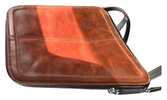 Preload https://item3.tradesy.com/images/tignanello-vintage-organizer-purse-color-tan-honey-dark-brown-genuine-leather-exterior-and-silk-line-22447332-0-2.jpg?width=440&height=440
