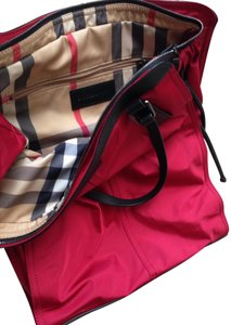 Burberry Tote in Red / check