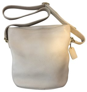 Coach Leather Messenger Pretty Classy Satchel in Cream