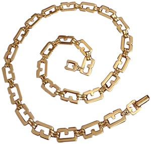 Givenchy VINTAGE GIVENCHY GOLD LINK NECKLACE
