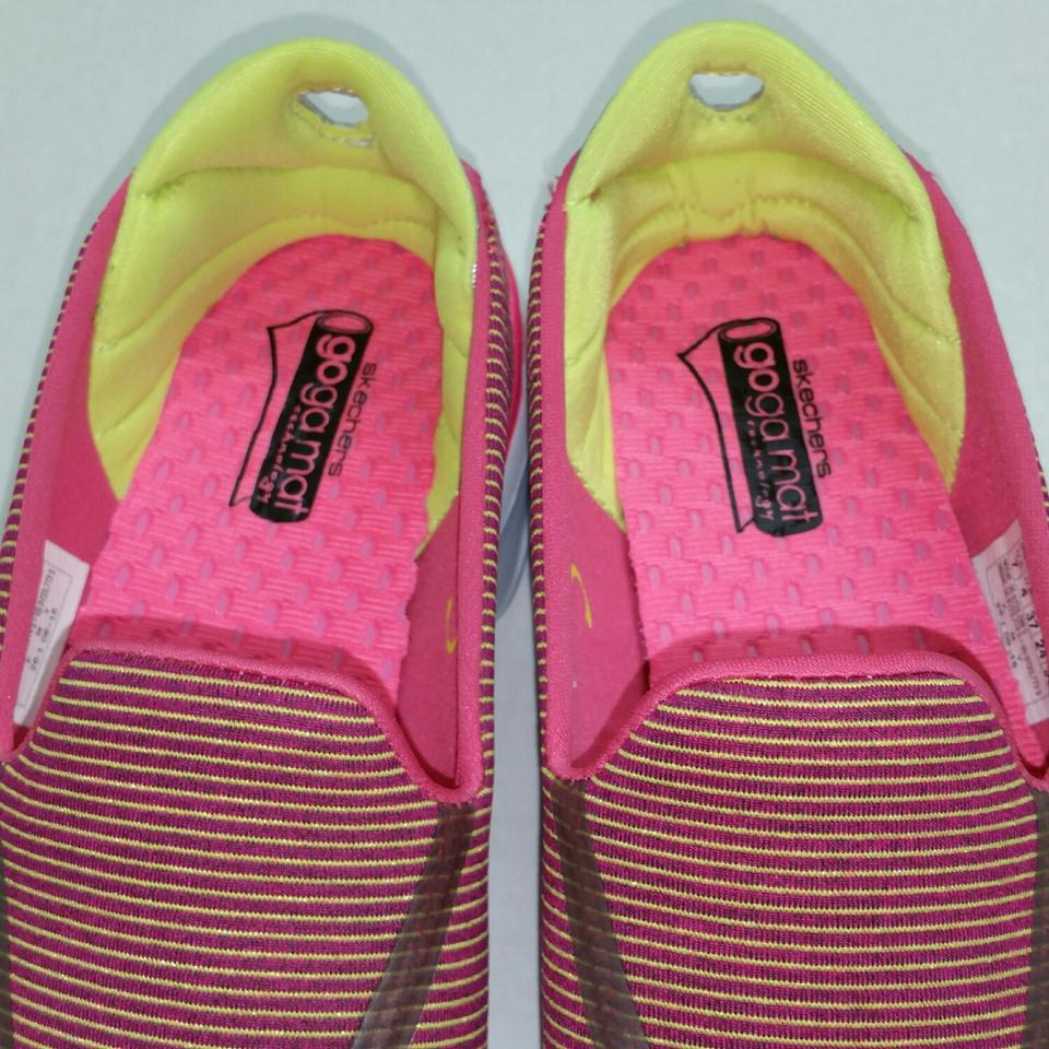 ae68f5e92f1 Skechers Hot Pink / Green Performance Women's Go Walk 3 Fitknit Extreme  Slip On Walking Sneakers Size US 7 Regular (M, B)