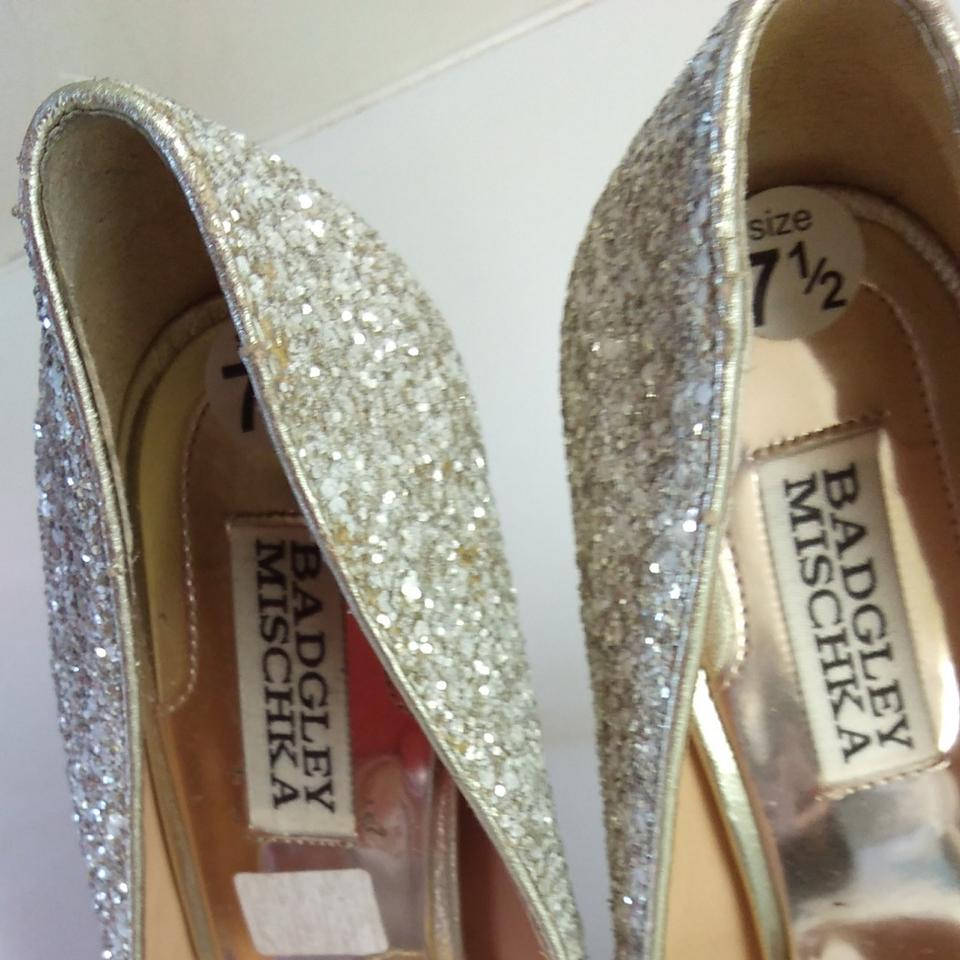 b3dc24787b7 Badgley Mischka Silver Sparkle Formal Shoes Size US 7.5 Regular (M ...