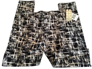 856d57aa471fc Pink Republic NWT Pink Republic Black & White Abstract Leggings