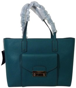 a786859d8f4a Furla Totes - Up to 90% off at Tradesy (Page 4)