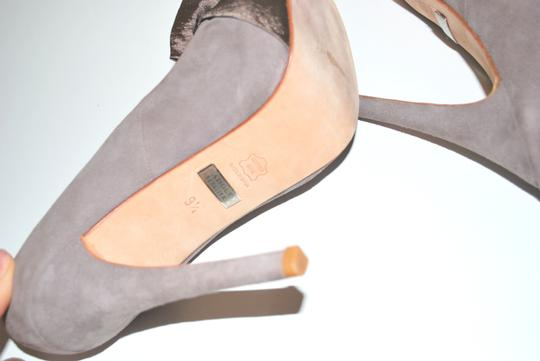 Badgley Mischka Stunning And Super Comfortable Heels. Size 39/5 Made In Spain BEIGE Pumps