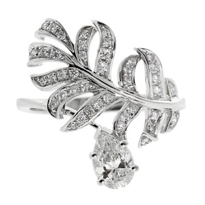 Chanel Chanel Plume Diamond Gold Cocktail Ring - Opulent Jewelers
