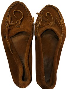 Minnetonka light brown Flats